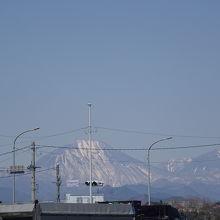 駐車場からは男体山が見えました