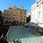 ローマ最大の噴水