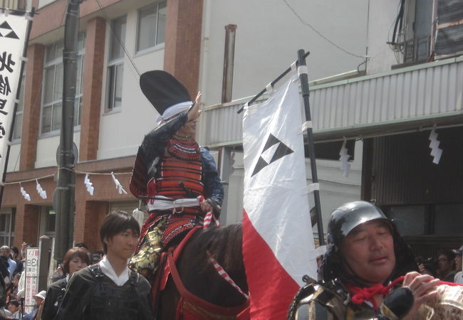 毎年5月3日に開催される小田原最大のイベントです