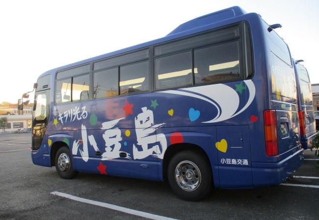 路線バスもあります