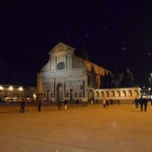夜のサンタマリアノヴェッラ教会