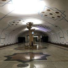 ボロムゾル駅。