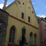 タリンの歴史ある建物に展示されているタリンの歩み