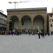 シニョーリア広場の彫刻回廊