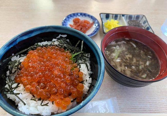 函館朝市近くの食堂