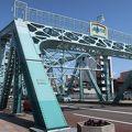 写真:犀川大橋