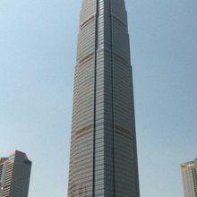 素敵なデザインの超高層ビル