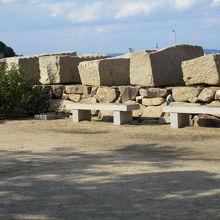 大坂城石垣石切とび越丁場跡および小海残石群
