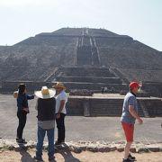 ピラミッドはマイペースの上る