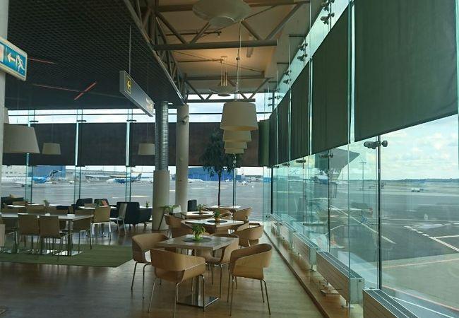 エストニアの玄関口のコンパクトな空港