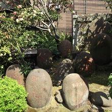 柳森神社 力石群