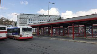 チェスキークルムロフ行きのバス乗り場