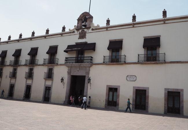 スペイン独立などの歴史がわかる