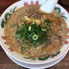 茅ヶ崎の京都北白川の魁力屋で特製醤油ラーメン
