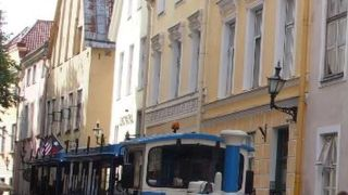 タリン旧市街をゆっくり回る観光自動車