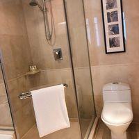 シャワーブース(とトイレ)