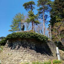 春日山城史跡広場