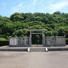 仲哀天皇陵(岡ミサンザイ古墳)