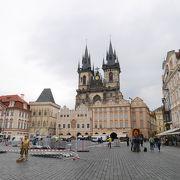 観光スポットが集まる広場