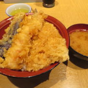 海鮮料理と天ぷらが人気