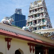 シンガポールを代表するヒンドゥー教寺院
