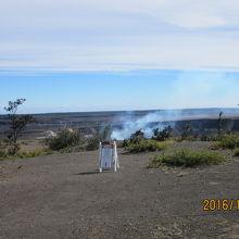 野焼きの煙と間違える程度で、噴火エネルギー充填中。