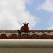 赤瓦の屋根が目印の宮古そばのお店♪
