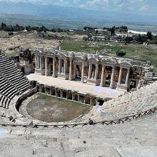 かなり見事なローマ時代のシアター。