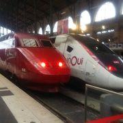 国際列車が並び壮観