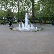 ロンドン市内の小公園