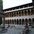写真:ペドラルベス修道院