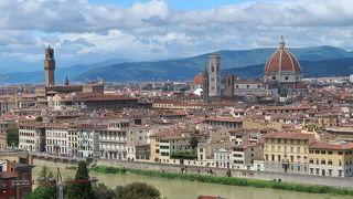 フィレンツェ観光の定番風景