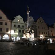 スヴォルノステイ広場の一角