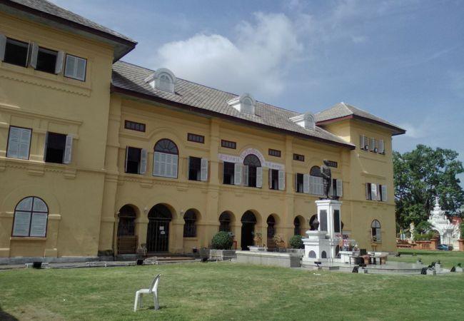 チェンライ鉄道図書館