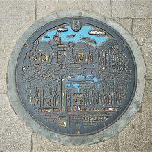 小樽運河のカラーマンホ(堺町通り商店街)