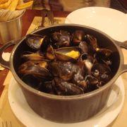 ムール貝をおなか一杯食べる