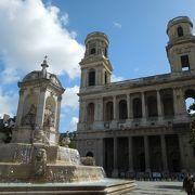 サンシュルピス教会前の広場