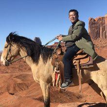 ジョンフォードポイントで馬に乗って気分は西部劇のヒーロー
