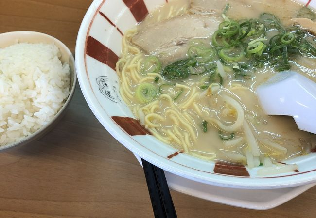 博多麺王 八代店