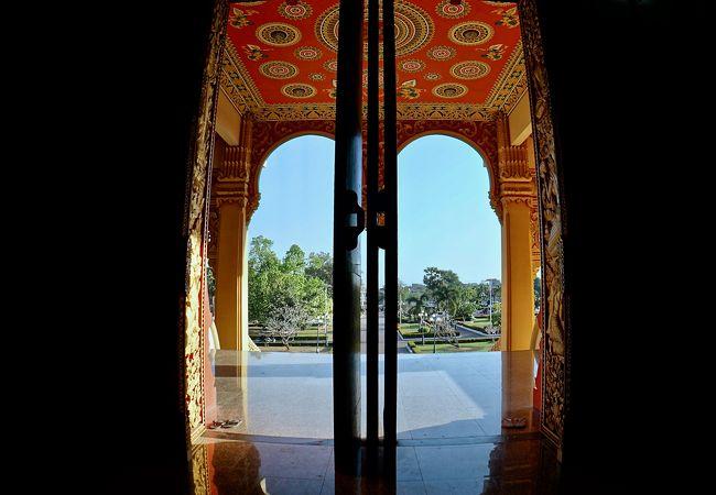 ラオス仏教総主教宮 (ワット タートルアン ヌア)