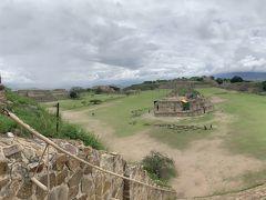 モンテ アルバンの古代遺跡 (オアハカ歴史地区とモンテ アルバンの古代遺跡)