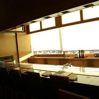 地上60メートルから京の風景を一望できるカウンター席
