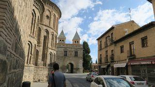 サンティアゴ デル アラバル教会