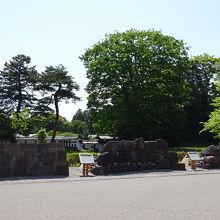 年代別の石垣の様子の展示がされています
