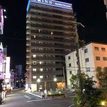 ホテル周辺はラブホテル街でした
