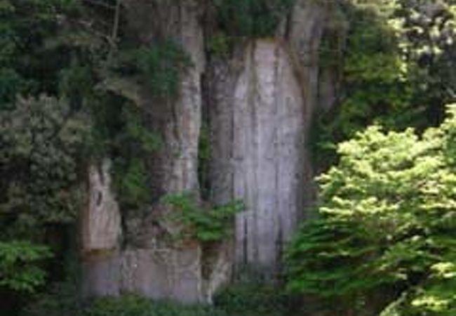 弥勒磨崖仏