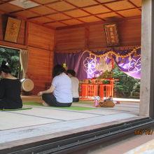 男嶽神社と石猿群