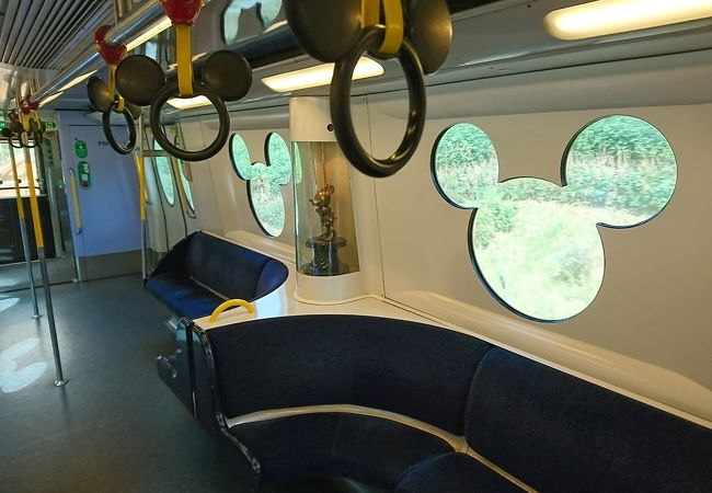 香港ディズニーランドへの電車
