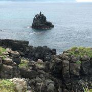 武骨な感じの玄武岩