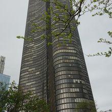 レイクポイントタワー
